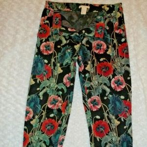 Super cute H&M women's Size 6 crop pants